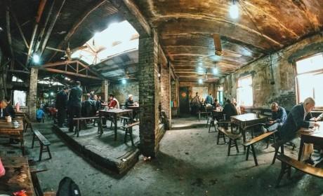 """交通茶馆丨3D魔幻城市的烟火人生,隐藏着市井文化的""""活化石"""""""