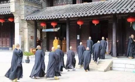 从活佛济公到弘一大师 演活了两位高僧的游本昌也有一颗佛心