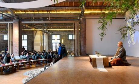 济群法师说了什么?让这位设计师把废旧仓库爆改为禅堂!