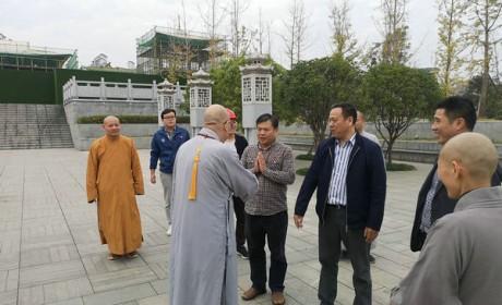 圣辉大和尚赶往湘潭古大唐兴寺到职视事