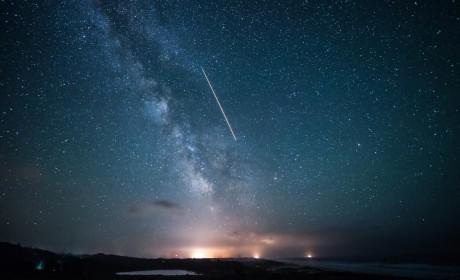 巴金:在星的怀抱中我微笑着,我沉睡着