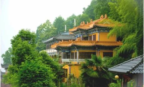 东方山弘化禅寺:药师佛光中的千年古刹