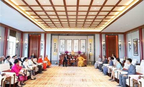 慈悲无国界!突破疆域 培育僧才 记老挝中央佛教联谊会代表团参访南海佛学院