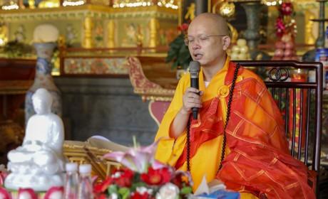 珠海普陀寺2019年短期出家班第三日:受八关斋戒与学习佛教人生观