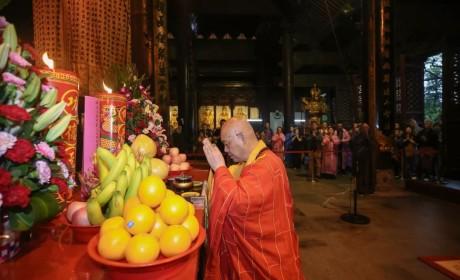 普陀山佛教协会举行庆祝新中国成立70周年祈福法会