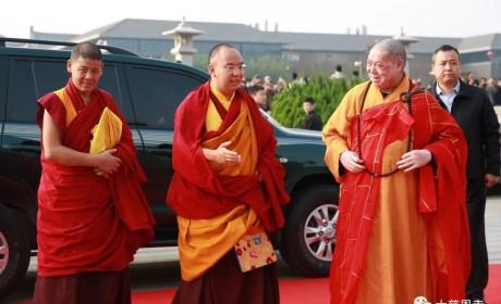 全国政协常委、中国佛教协会副会长班禅额尔德尼·确吉杰布到访大慈恩寺