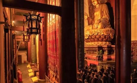 杭州灵隐寺举行除夕祈福法会 祈愿疫情平息 国泰民安
